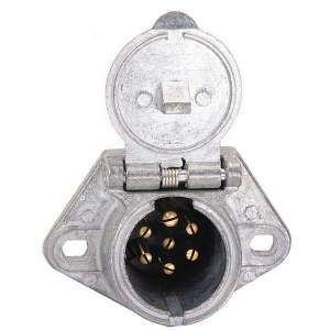 TR15720 7 Way Socket